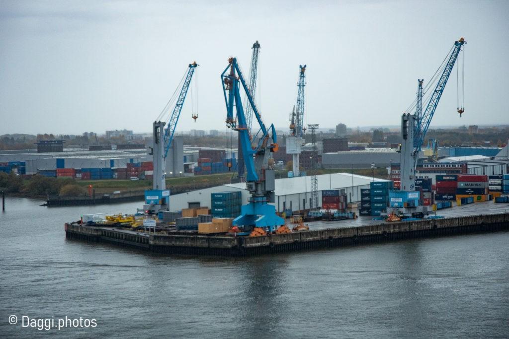 Hafenanlage Hamburg - Blick von der Elfie